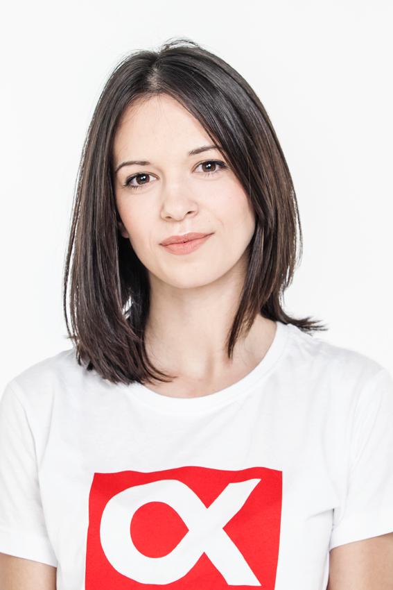 Dragana Ž. | Hostese, modeli i promoterke Alfa promo team-a su profesionalna podrška u prezentacijama i promocijama vaših proizvoda i usluga